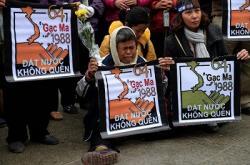 Việt Nam Đang Thách Thức Quyền Kiểm Soát Biển Đông Của Tàu